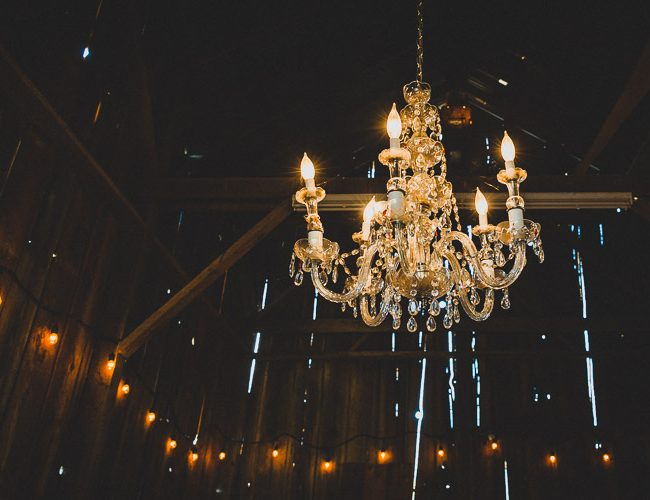 Oregon wineries with Chandeliers